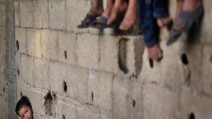 البنك الدولي: الفلسطينيون يزدادون فقرا وتنافسيّة اقتصادهم تتآكل تدريجيا