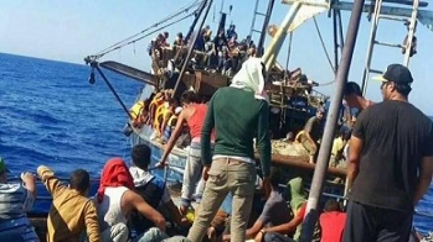 نصف مليون لاجئ عبروا المتوسط 2015